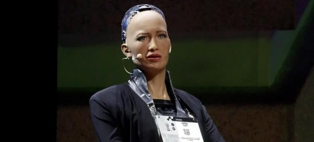 Sophia, la primera ciudadana robot, confiesa que desearía sentir emociones humanas