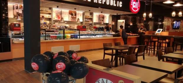 El aeropuerto de Gran Canaria incorpora a su zona de restauración un Coffee Republic y un Dehesa ...