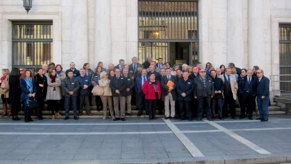 Magistrados, jueves y fiscales, ante la Audiencia de Valladolid.
