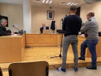 """Boza, miembro de 'La Manada', admite en el juicio por robar unas gafas que cometió """"una absoluta gilipollez"""""""