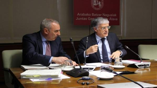 El diputado foral de Hacienda, Finanzas y Presupuestos, José Luis Cimiano