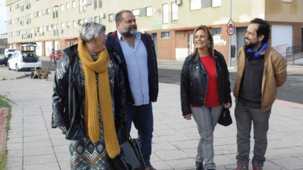 Los candidatos de Adelante Andalucía, María de Gracia González y Rafael Sánchez.