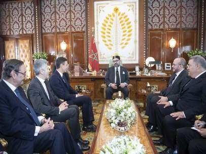 Mohamed VI se reúne con Pedro Sánchez en Marruecos