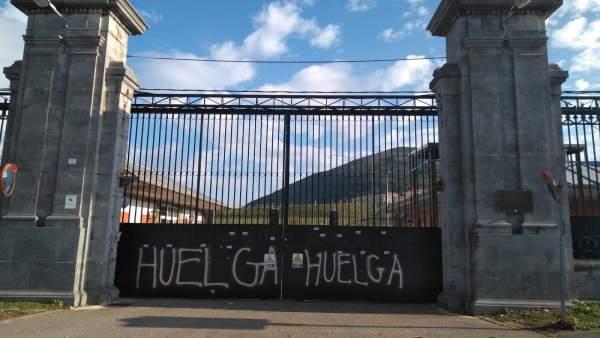 Huelga en El Dueso