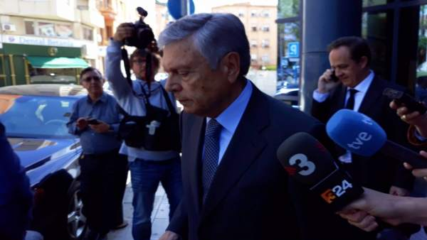 Modesto Crespo sale del Palacio de Justicia de Benalúa en imagen de archivo