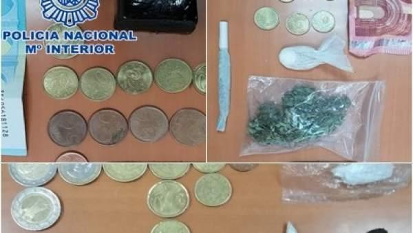 Material y dinero incautado a los detenidos en el WOMAD