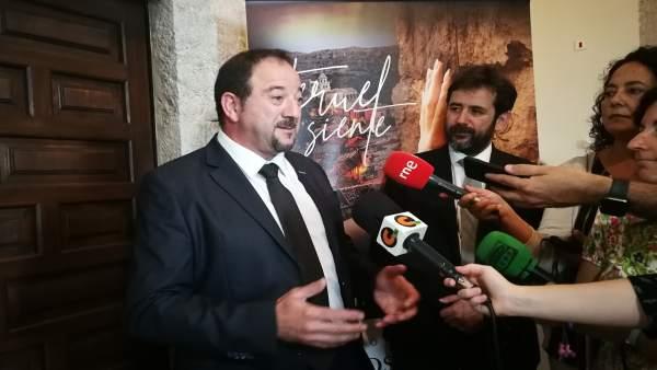 El presidente de la DPT, Ramón Millán, atendiendo a los medios de comunicación