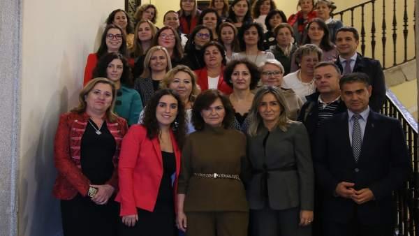 Carmen Calvo y alcaldesa Toledo con Consejo de la Mujer
