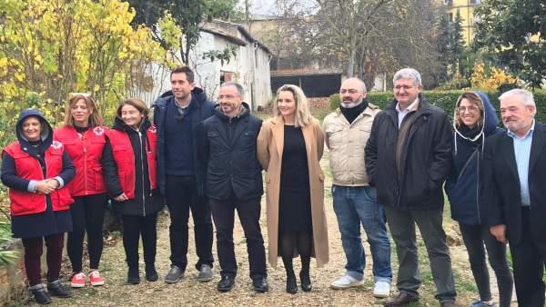 Cruz Roja instala un huerto 'ecosocial' en Estella.