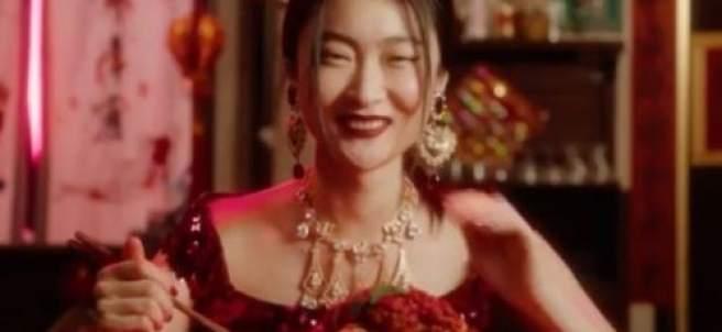 69c47e6269ba9c La actriz china del polémico anuncio de Dolce & Gabbana dice que ha  arruinado su carrera 15