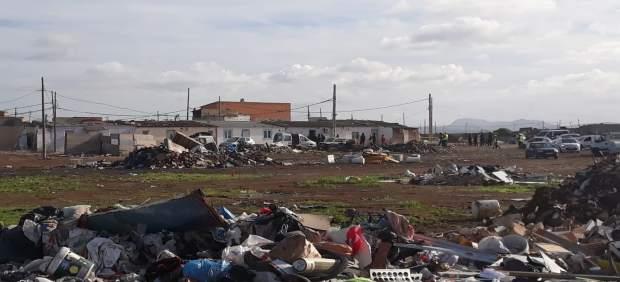 Continúa el proceso de desmantelamiento de Son Banya con el derribo de dos viviendas