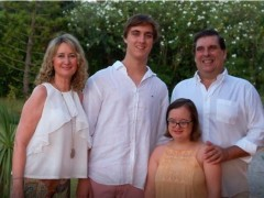 Blanca junto a su familia