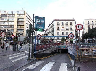 Acceso al aparcamiento de Jacinto Benavente