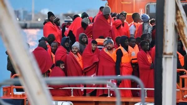 Inmigramtes rescatados en el mar de Alborán