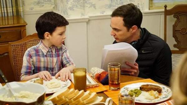 Sheldon adulto y joven