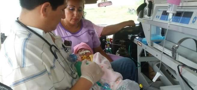 Una bebe nace con el corazón fuera del tórax