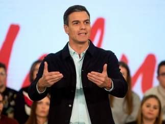 Pedro Sánchez promete AVE y empleo a las regiones si hay Presupuestos
