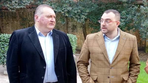 Ramón Argüelles (IU) y Adrián Barbón (FSA-PSOE)