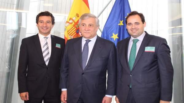 Paco Núñez en Bruselas con Antonio Tajani