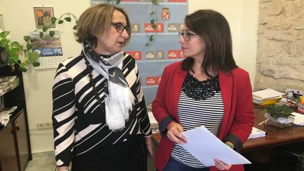 Las concejalas del PSOE de Jaén Maribel Lorite y África Colomo.