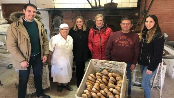 Marifrán Carazo visita una panadería
