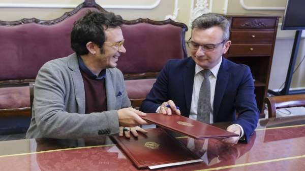 Alcalde de Cádiz y rector de la UCA firman un convenio para celebrar Innovazul