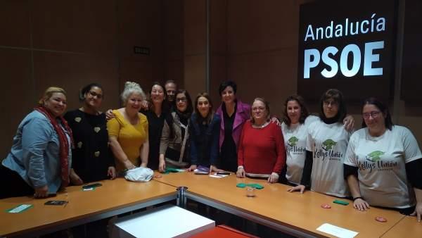 Reunión del PSOE con familias monoparentales