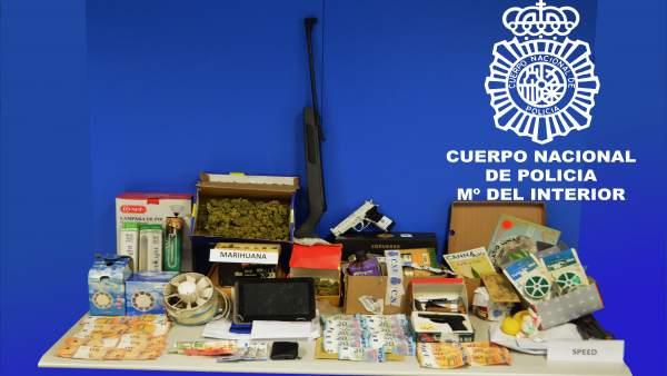 Elementos incautados a la familia detenida en Miranda de Ebro