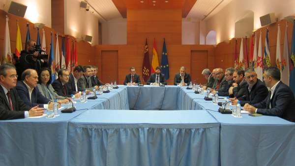 Imagen de la reunión de la Mesa del Agua