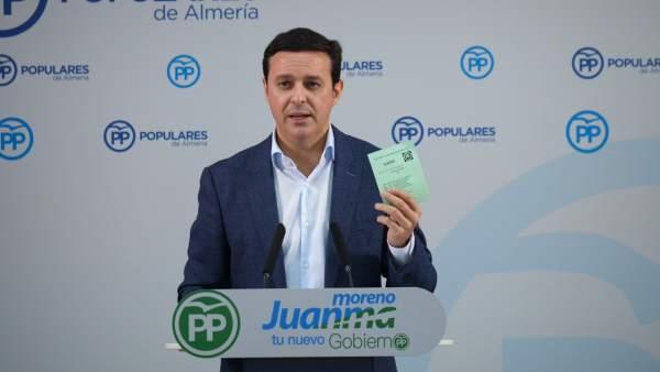 Javier Aureliano García, en rueda de prensa