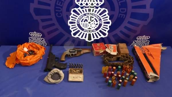 Armas y munición intervenidas en Salamanca.