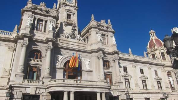 """L'Ajuntament de València ix del Pla d'Ajust """"tres anys abans del previst"""""""