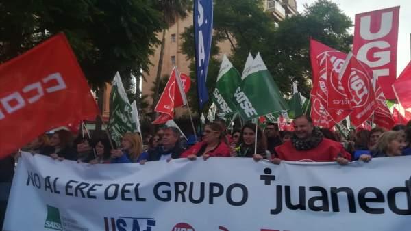 Manifestación contra el ERE de Juaneda
