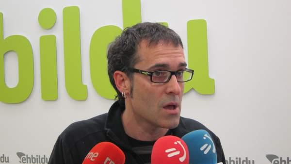 El parlamentario de EH Bildu Julen Arzuaga