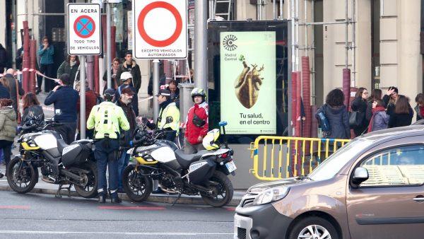 Señales de prohibición en Madrid Central
