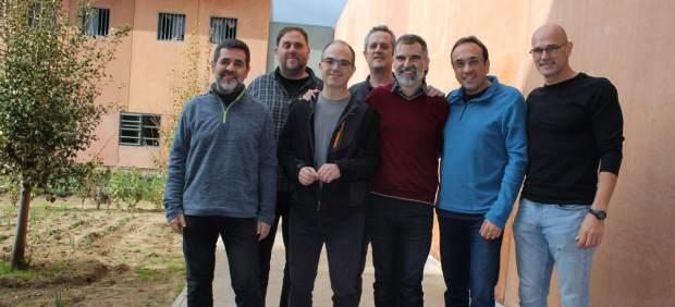 El Constitucional mantiene la suspensión de cargo público para Junqueras y los cinco exconsellers ...