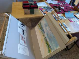 El colectivo 'Aquí hay arte 22800' inaugura exposición en Ayerbe