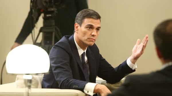Pedro Sánchez en una entrevista en La Moncloa