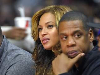 10 famosos que reconocieron sus infidelidades