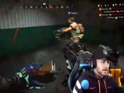 Neymar jugando al 'Call of Duty'