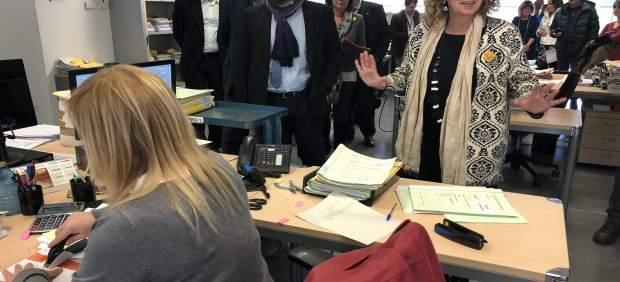 La consellera Ester Capella visita los juzgados de El Vendrell