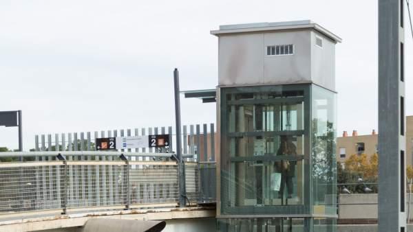 Los nuevos ascensores de Sant Andreu Comtal se estropean.