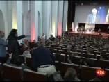 """Un hombre grita """"la Constitución es una puta farsa"""" durante un discurso de Borrell en Bruselas"""