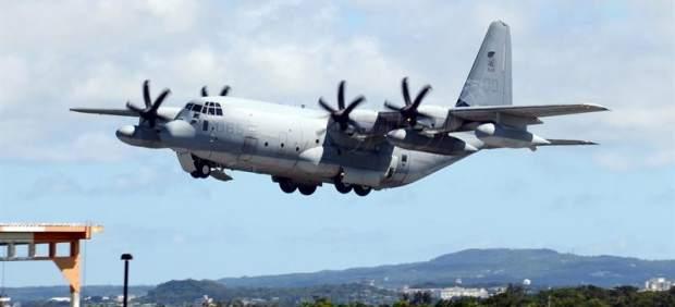 Avión militar de transporte de EE UU en Japón