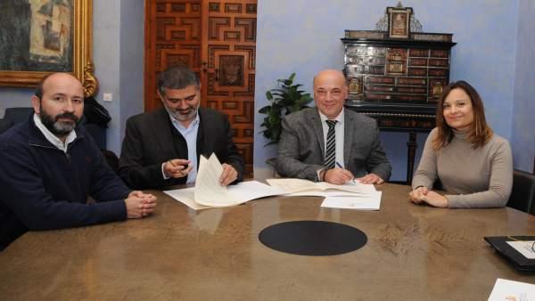 Firma de convenios entre la Diputación de Córdoba y Famsi