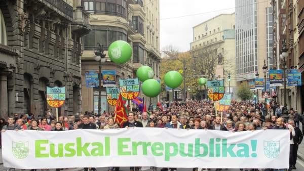 Manifestación en Bilbao por la república vasca