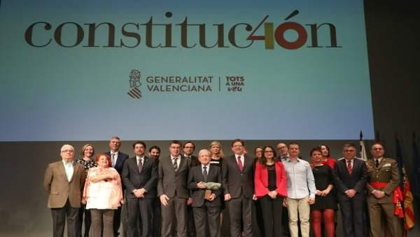 Puig reivindica la reforma de la Constitució i recorda la seua proposta d'Estat federal