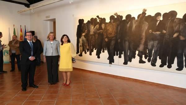 La alcaldesa Ángeles Muñoz en la exposición sobre la Constitución