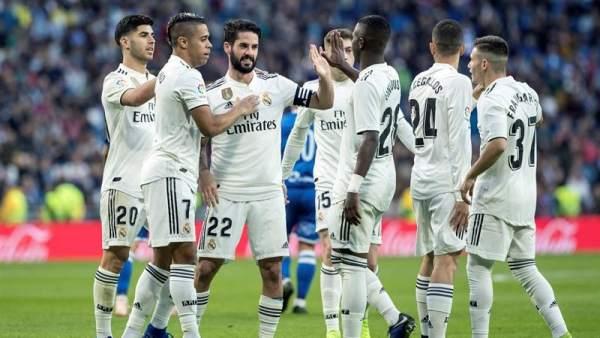 El Real Madrid celebra un gol frente al Melilla en la Copa del Rey.