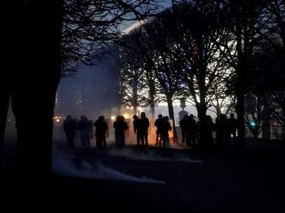 Policías antidisturbios durante los enfrentamientos del pasado sábado, a unos metros del Louvre.